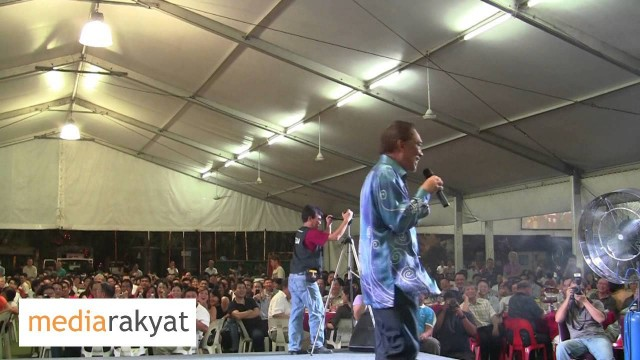 Anwar Ibrahim: We Have Crazy Fools Dictating Our Students Listen Listen Listen