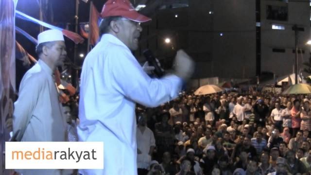 Anwar Ibrahim: UMNO Barisan Nasional, Jangan Ingat Rakyat Lembu!