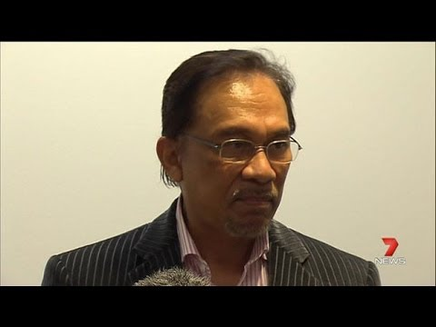 7News : Students Fear Attending Anwar Ibrahim Lecture