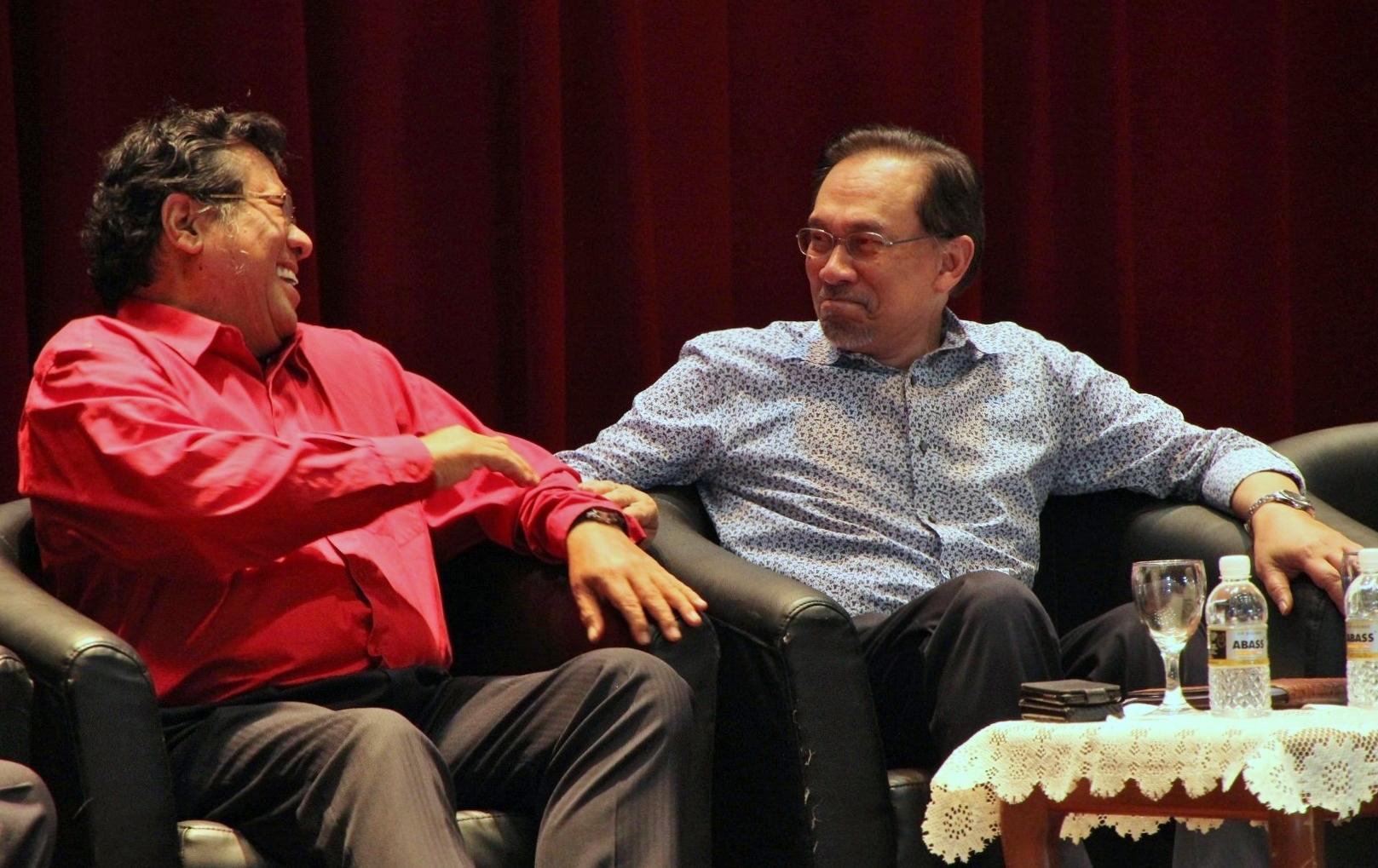 Perjanjian air boleh ditangguh, tetapi kita tetap sokong Khalid, kata Anwar