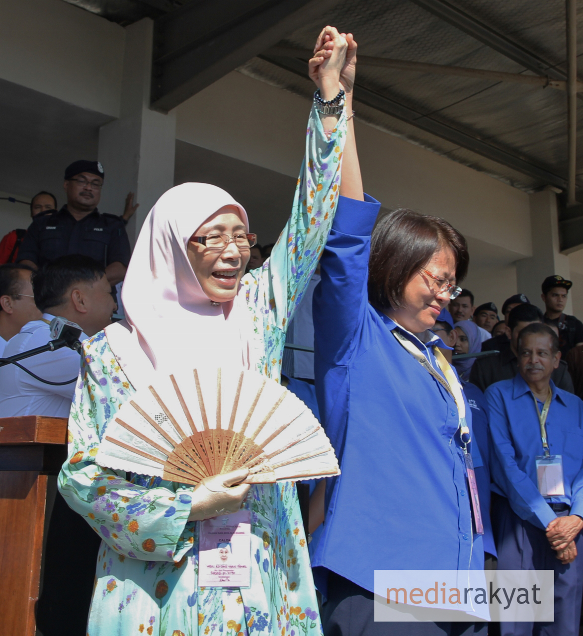 Straight fight between Wan Azizah, Mei Fun in Kajang