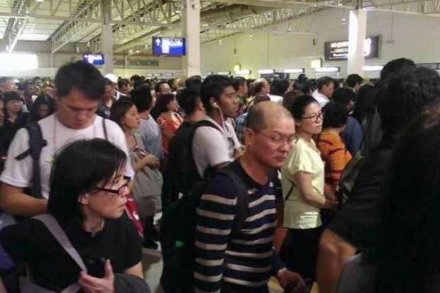 LCCT in 'pandemonium', passengers forced into long queues