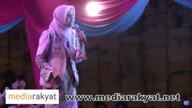 (Countdown To 505) 04/05/2013 Nurul Izzah: Siapa Yang Merompak Harta Melayu Selama Ini Kalau Bukan UMNO?