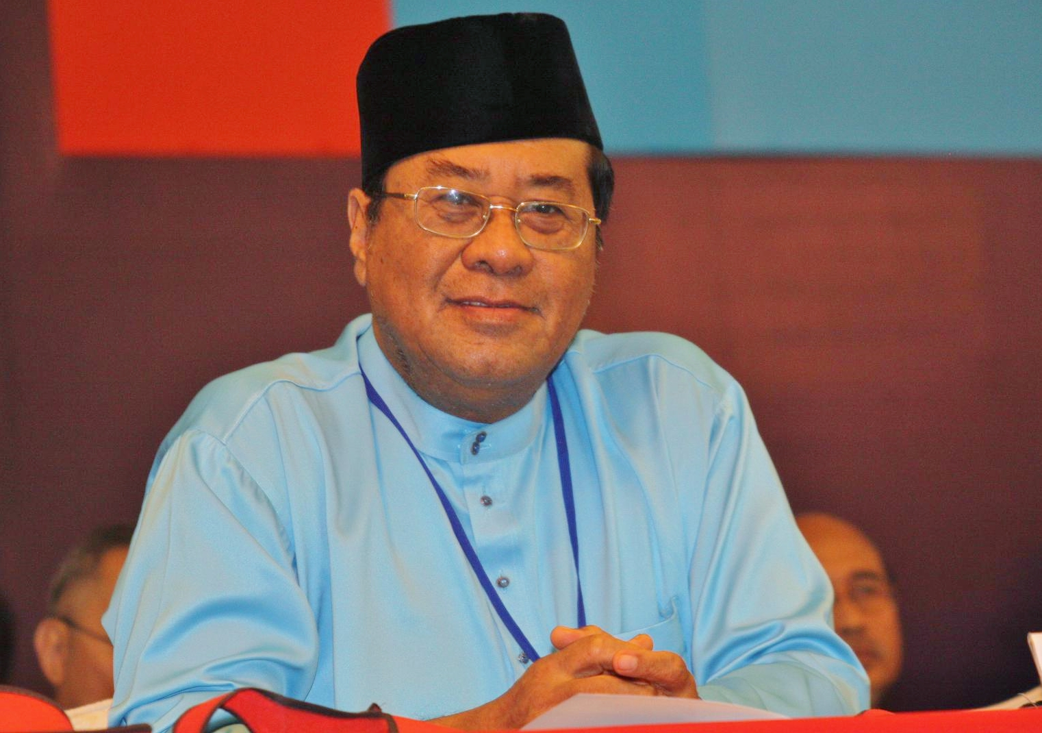 Nathaniel Tan: Why do politicians love to hate Selangor MB Khalid?