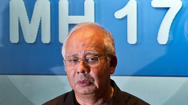 Najib: MH17 282 bodies heading to Netherlands, 2 black boxes will be handed over to a Malaysian team in Donetsk