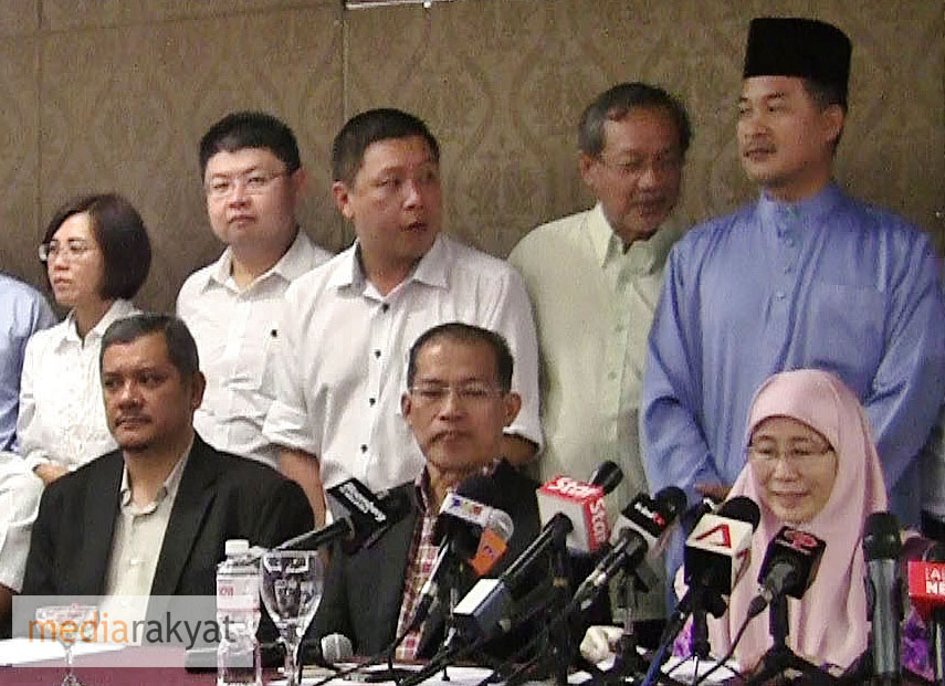 PAS duo given 24 hours to withdraw support for Wan Azizah