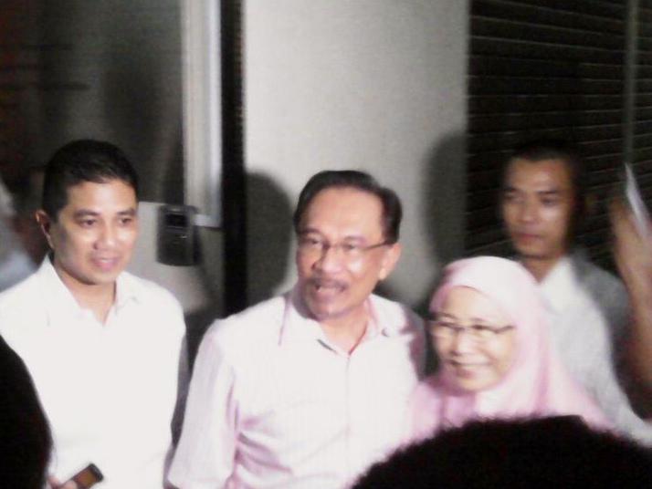 Dr Wan Azizah Wan Ismail: Saya telah mencadangkan kepada YB Azmin Ali diangkat sebagai calon MB Selangor dan MPP telah juga sebulat suara bersetuju dengan cadangan itu