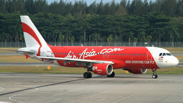Reuters: AirAsia flight from Indonesia to Singapore loses contact with air traffic control