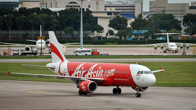 Striats Times: AirAsia flight QZ8501 bound for Singapore lost contact with Indonesian air traffic
