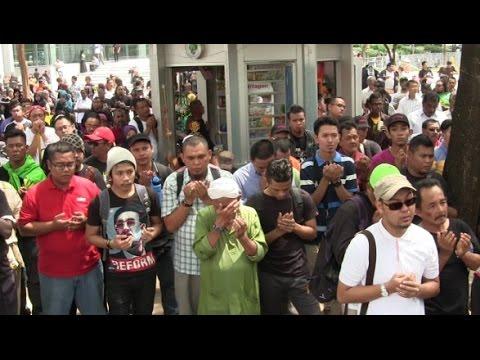 Berdoa Untuk Anwar Ibrahim Selepas Keputusan Mahkamah Di Putrajaya
