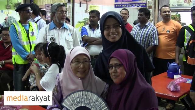 Dr Wan Azizah: Sarapan Pagi Bersama Rakyat Di Pasar Pagi