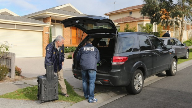 Australian Federal Police launches raids in Melbourne over Malaysia property 'kickback' deals