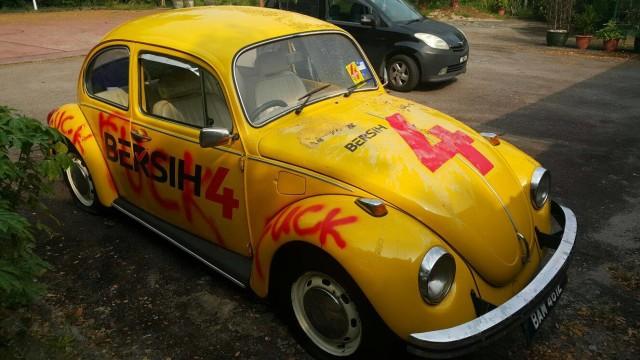 The BERSIH 4 Beetle in Johor was vandalized