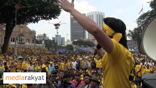 (Bersih 4) Young Protester: A Round Of Applause For Coming Out Today Against The Evil Government