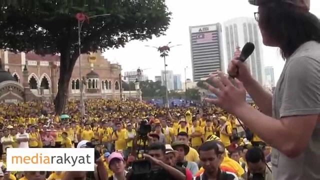 (Bersih 4) Young Protester: There Is Still Hope, Even Though The Government Is Lying All The Time