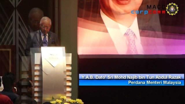 (2012) Najib: Sumbangan Perlu Dimasukkan Ke Dalam Akaun Rasmi Parti