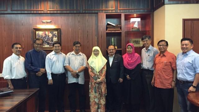 Wan Azizah bertemu Mohamad Sabu untuk membincangkan pembentukan pakatan pembangkang baru