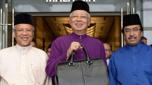 "Liew Chin Tong: Budget 2016, A budget ""of Najib, by Najib, for Najib"""