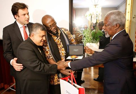 "Cartoonist Zunar Awarded ""2016 Cartooning For Peace Award"" In Geneva"